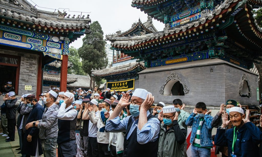 Understanding the growth of Islam in Chinese culture and markets.